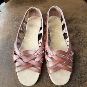Blowfish sandals size 6